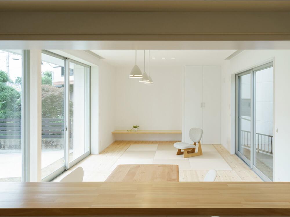 『双つ庭の家』サムネイル写真